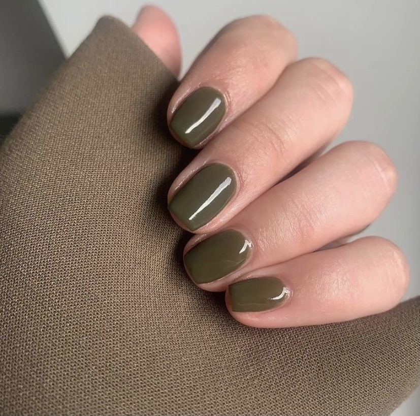 Green nail trend by @nature_beauty_cph