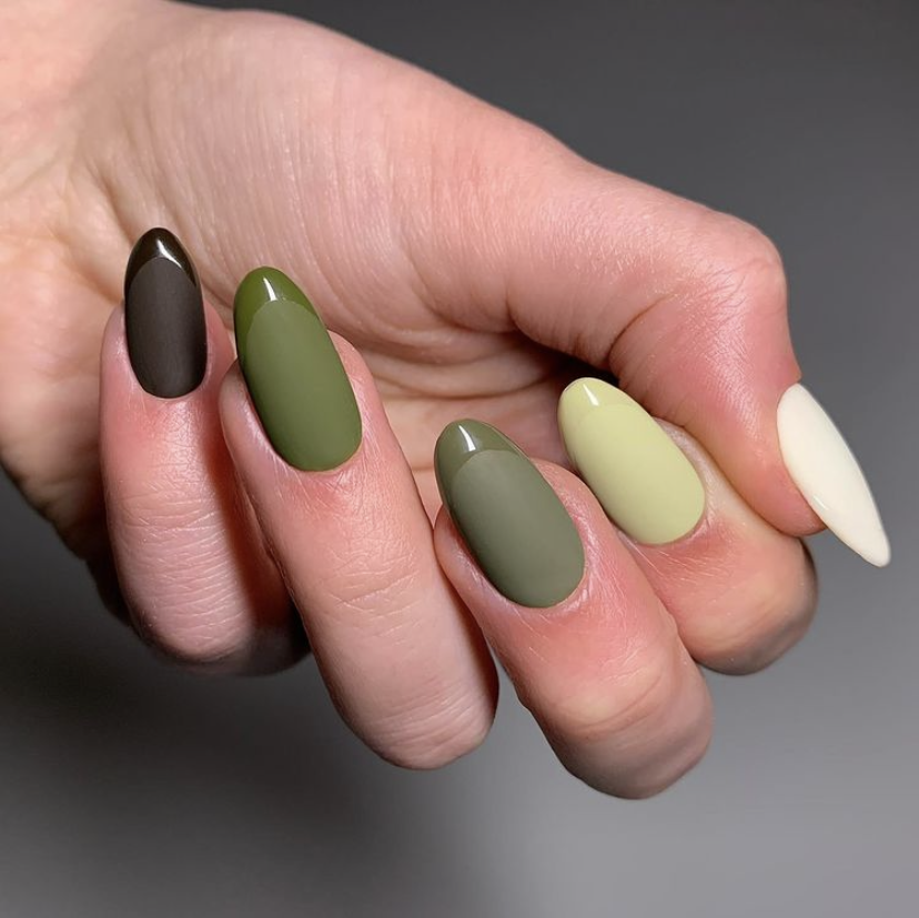 Green nail trend by @nailchark